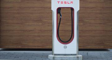 Найден способ зарядить электромобиль за 10 минут: открытие ученых