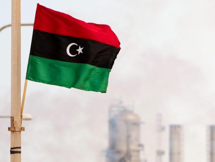 Добыча нефти в Ливии сокращена из-за протестов: последствия ситуации